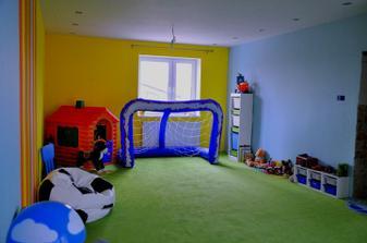 A opačná strana detskej izby... aj tu bude ešte záclona na okne
