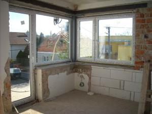 Spálňové okienko s balkonom