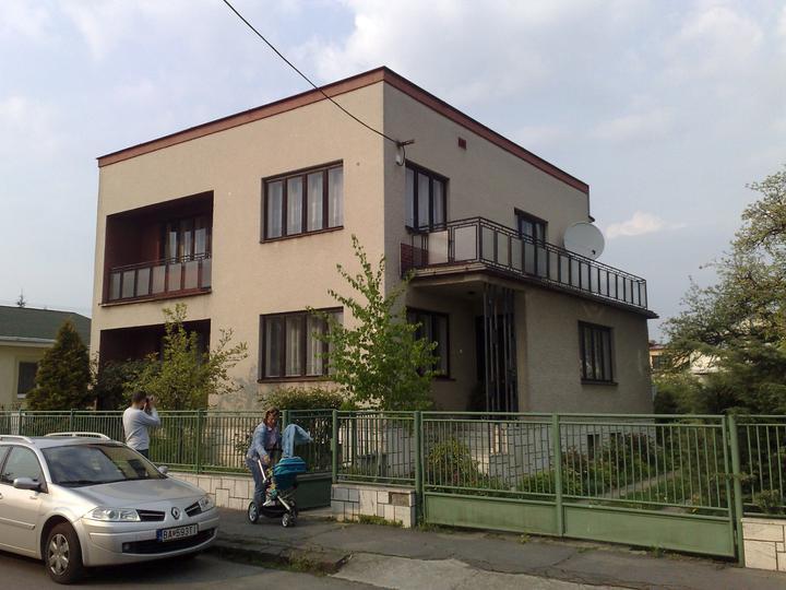 Prerábka domčeka - pred a po.... 06/2011 - pôvodný stav