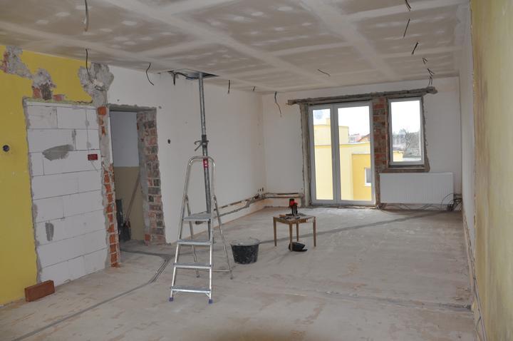 Prerábka domčeka - pred a po.... 06/2011 - detská izba ( vznikla spojením dvoch izieb)