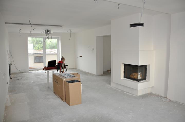 Prerábka domčeka - pred a po.... 06/2011 - Obývačka s kuchynou