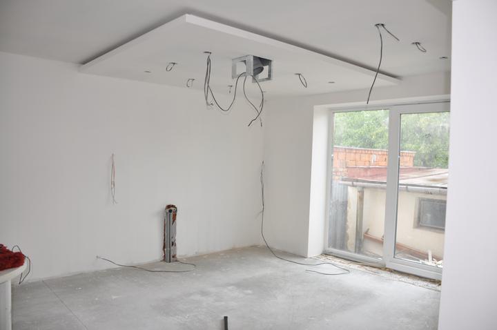 Prerábka domčeka - pred a po.... 06/2011 - buduca kuchyna, linka je už vo výrobe :o))