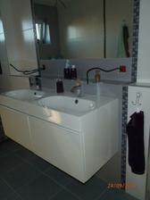 horná kúpeľňa- ešte nenamontované zásuvky