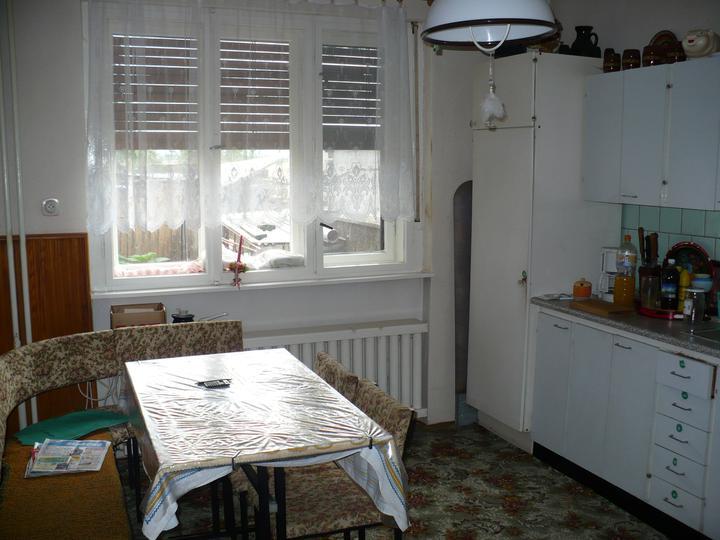 Pôvodný stav jún 2010 - kuchyňa