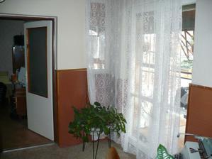 chodba na poschodí, vľavo vchod do budúcej spálne