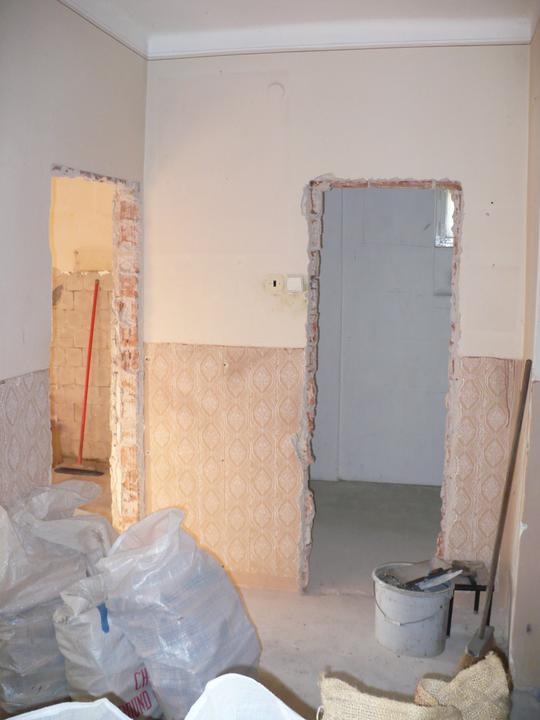 Premeny - Vchod do kúpeľne na prízemí august 2010