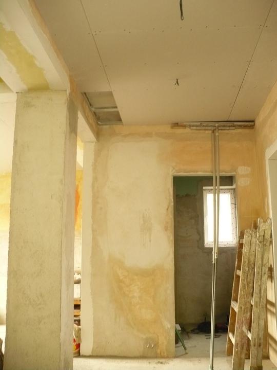 Premeny - Chodba prizemie znizeny strop