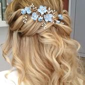 Kvetinová ozdoba do vlasov,