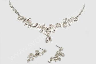 Nebo tenhle náhrdelník k těm 1. naušnicím?