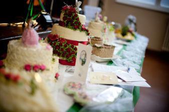 ovocný a tortový stôl