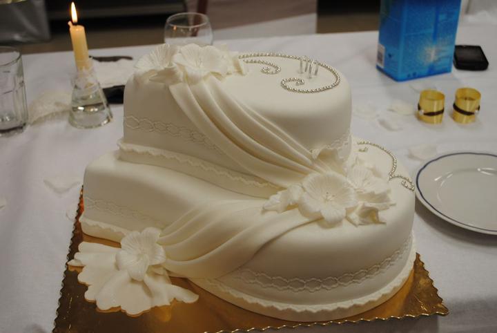 "Andrea{{_AND_}}Peter ""Mliečko"" - torta od rodiny"