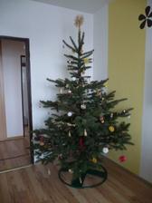 A jen tak bokem náš vánoční stromeček;-)