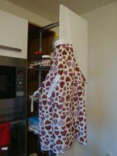 Na Vánoce jsem od přítele dostala zástěru (z Fler) -aby se mi v nové kuchyni fajně vařilo ;-)