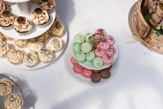 Makronky a cupcaky, po kterých se jen zaprášilo ;-)