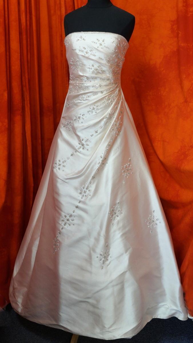 Ivory šaty vel. 36 - Obrázek č. 1