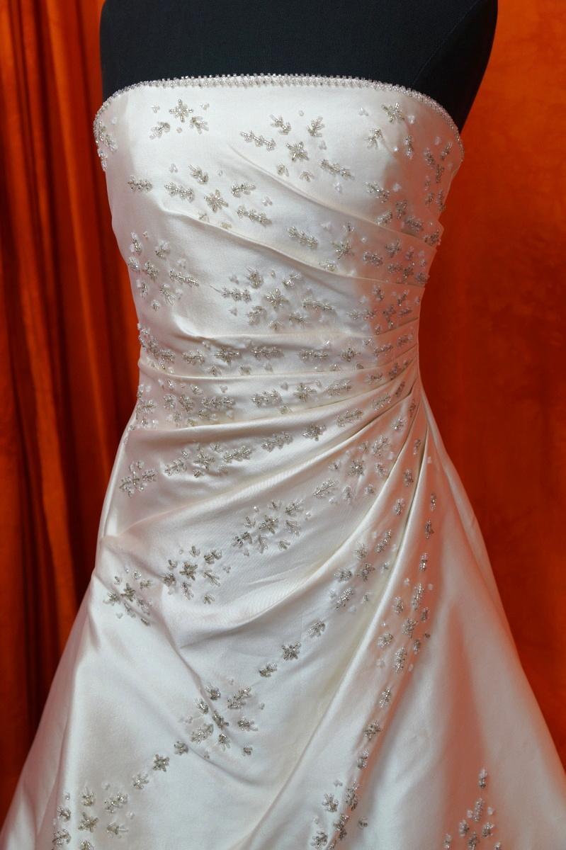 Ivory šaty vel. 36 - Obrázek č. 3