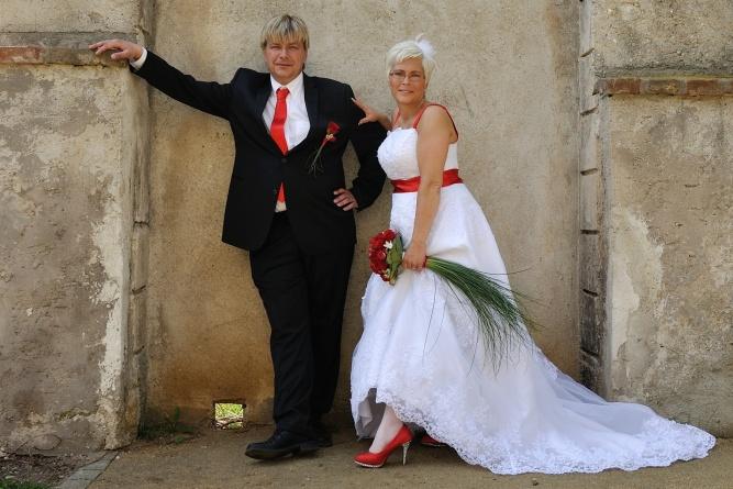 Svatební šaty na prodej (vel. 42-46) - Obrázek č. 5