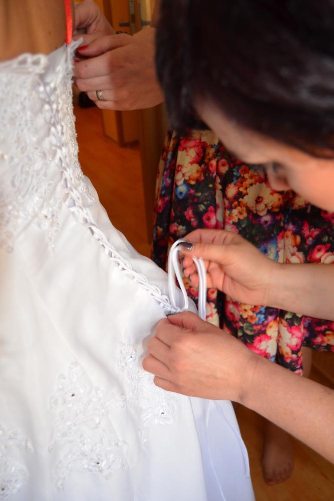 Svatební šaty na prodej (vel. 42-46) - Obrázek č. 6
