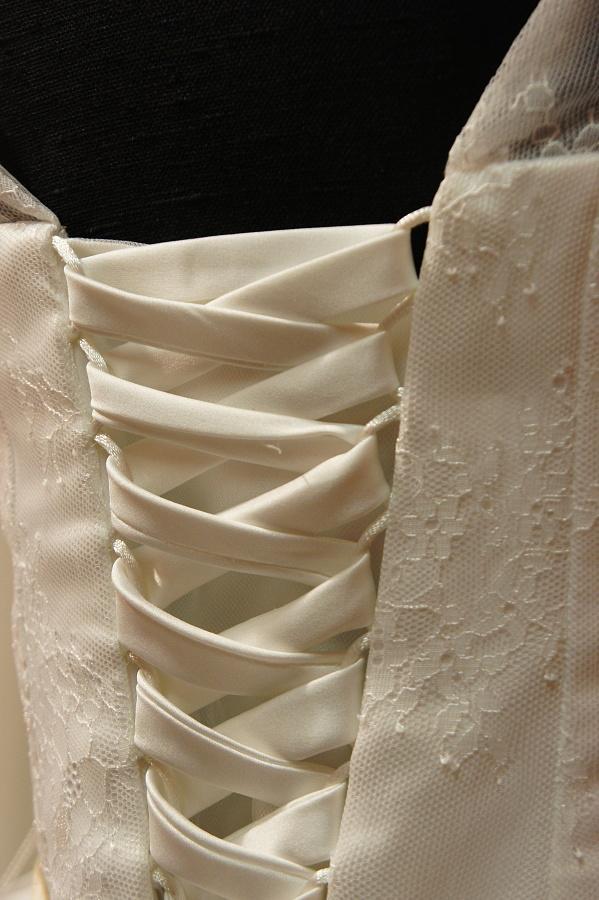 Nové šaty na prodej - Obrázek č. 2