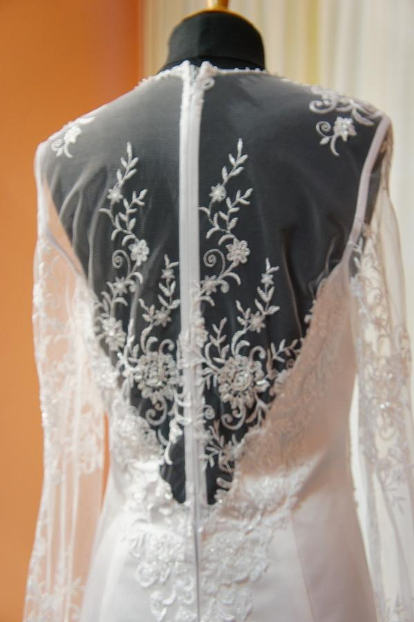Netradiční svatební šaty na prodej - Obrázek č. 3