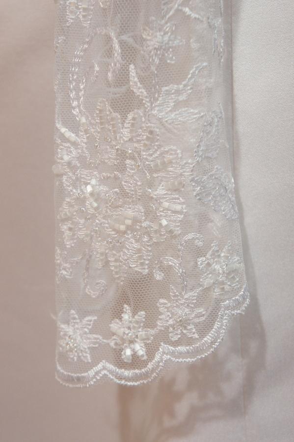 Netradiční svatební šaty na prodej - Obrázek č. 6