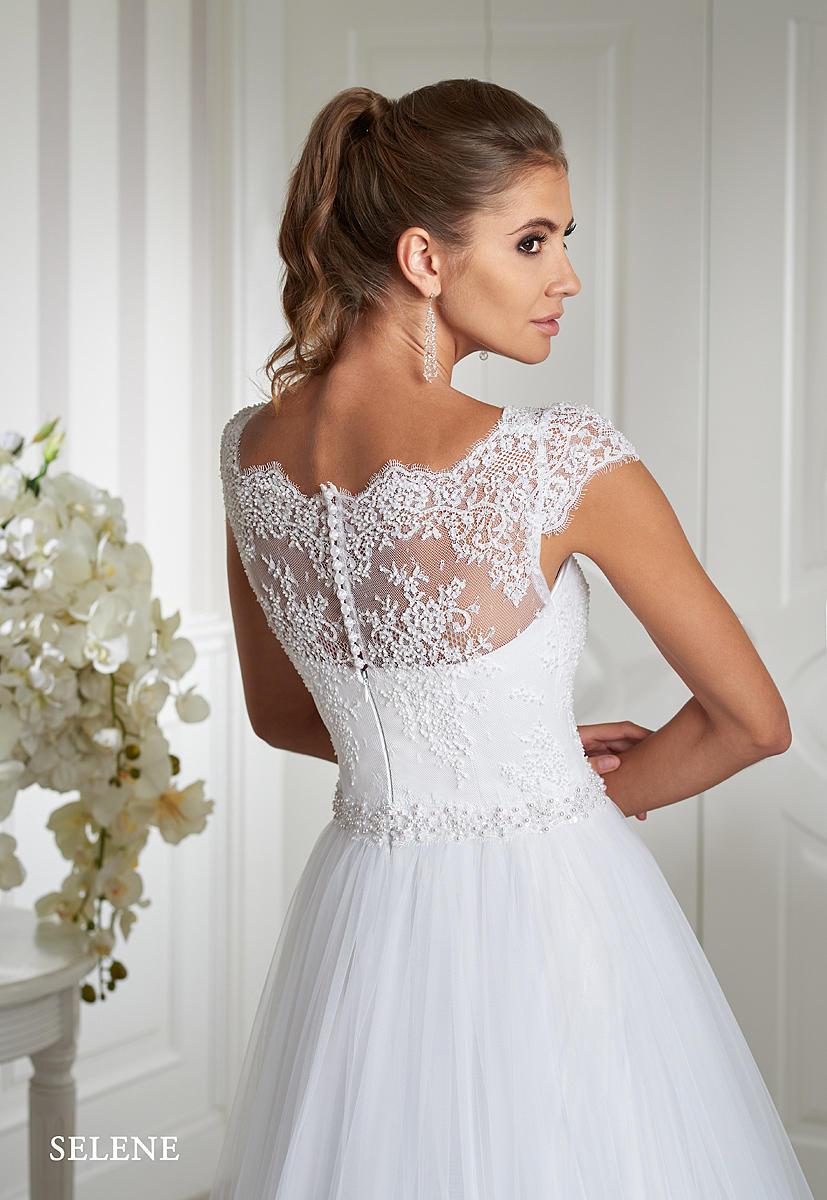 Nádherné šaty Emmi Mariage jsou již k dispozici našim nevěstám :-) - Obrázek č. 3