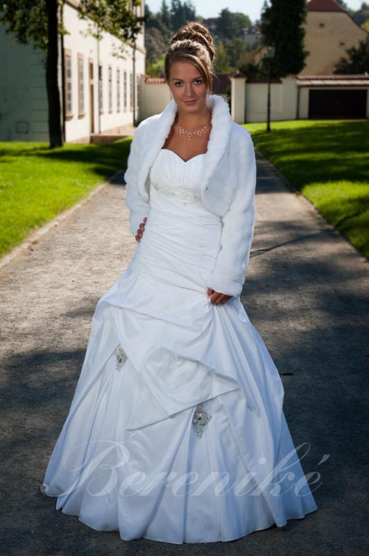 Výprodej svatebních šatů od 1500 Kč - Obrázek č. 6
