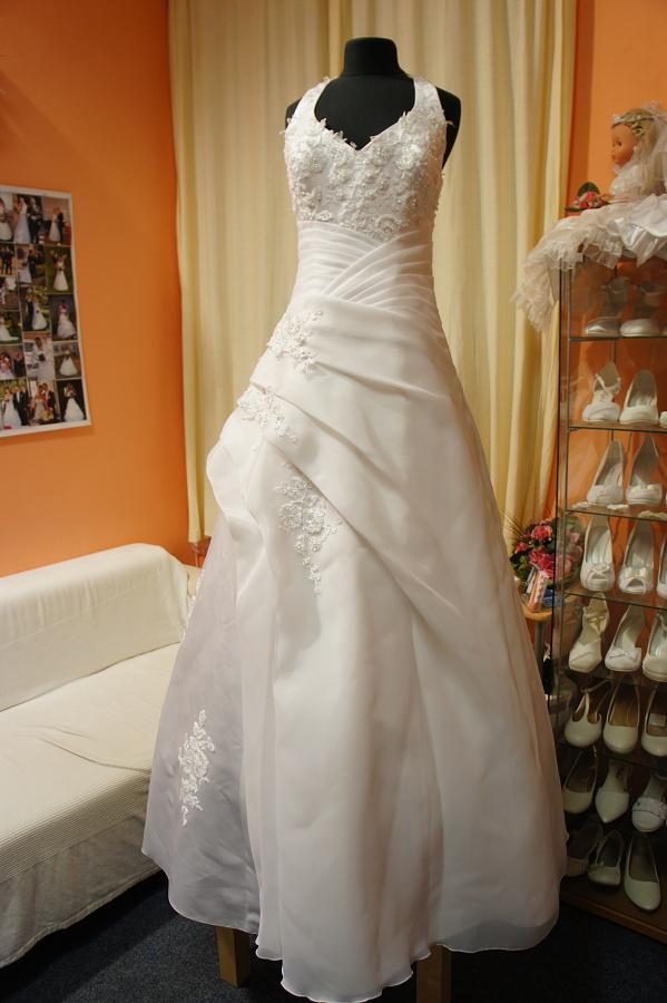 Výprodej svatebních šatů od 1500 Kč - Obrázek č. 21