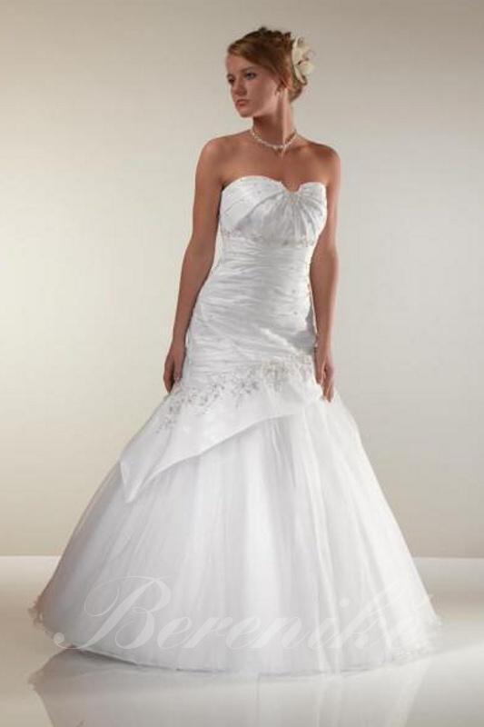 Velký výprodej svatebních šatů od 1500 - 2900 Kč. - Obrázek č. 7