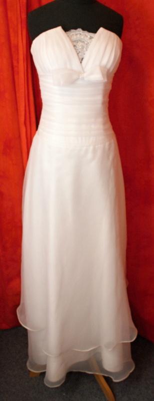 Velký výprodej svatebních šatů od 1500 - 2900 Kč. - Obrázek č. 9
