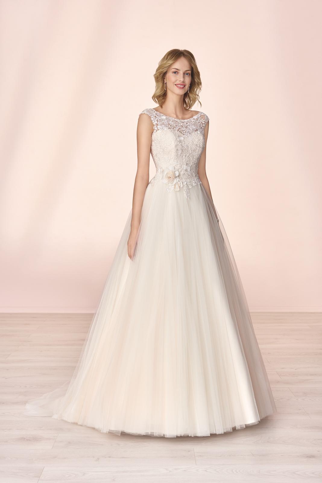 Nové svatební šaty zn. Elizabeth k vyzkoušení u nás v salonu. - Obrázek č. 1