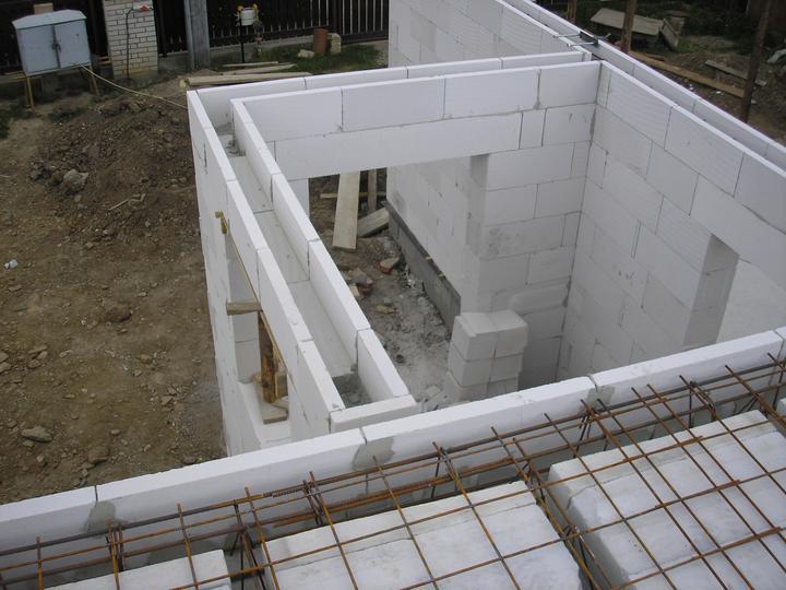 Pasívny dom Kostolná-Záriečie - Pred betonážou stropov a vencov.