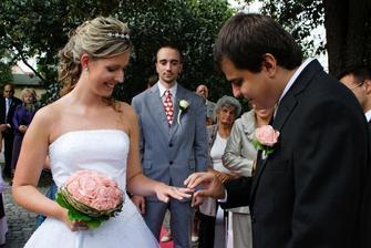 prstýnek pro nevěstu...