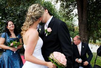 první novomanželská pusa...ta byla!!!