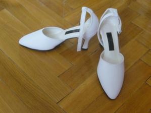 dnes mi přišly svatební botičky