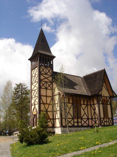 * - v tomto kostole bude svadba