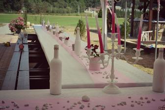 pohled od novomanželů
