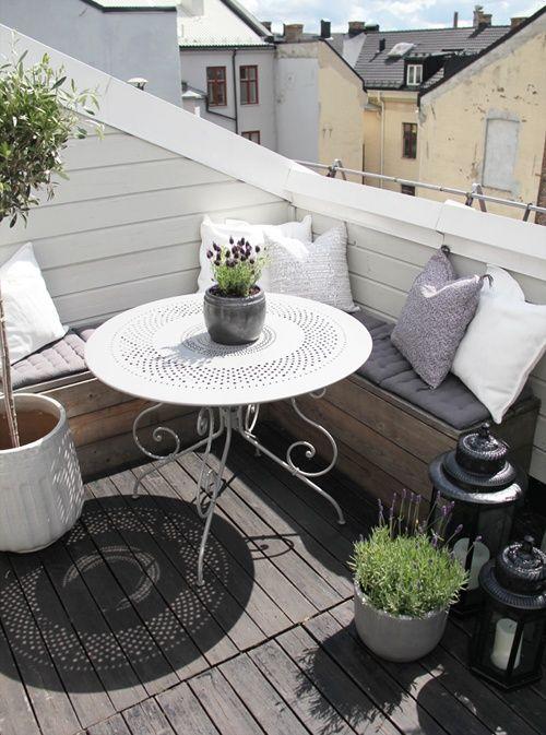 Balkónovanie - Slnko už vykúka, jar sa blíži a tak môžeme pomaličky vychádzať na naše ballkóny a terasy a užívať si krásne dni :)