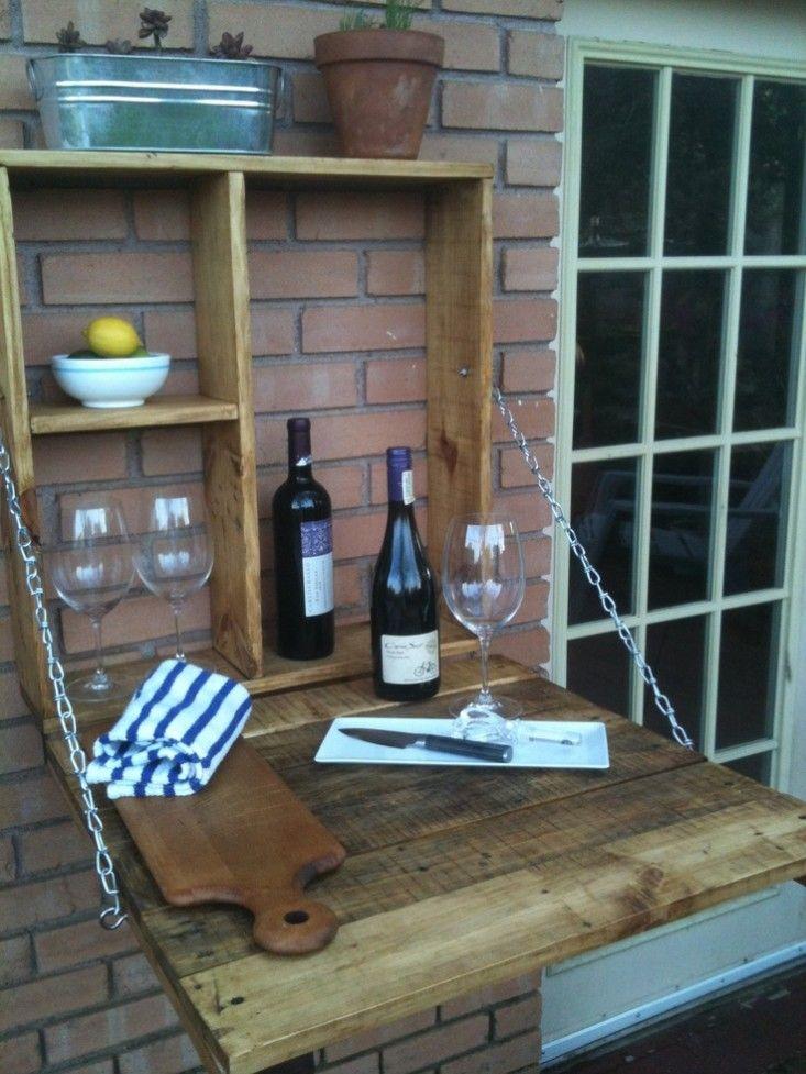 Balkónovanie - skrinka-stolík využiteľný aj na malom balkóne