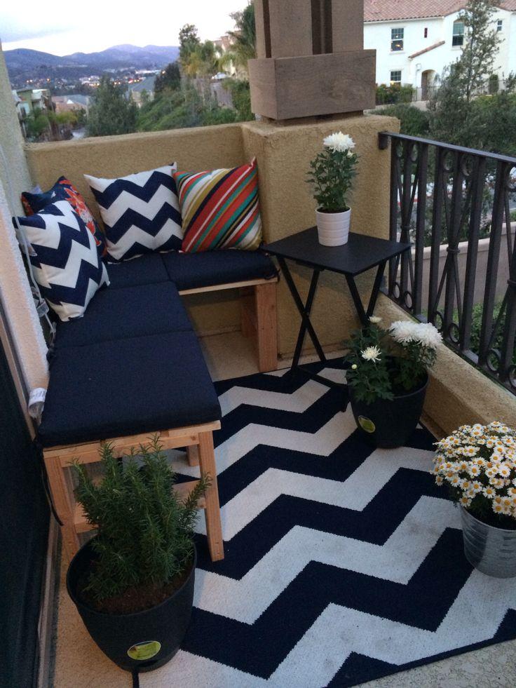 Balkónovanie - koberec vyčistí asi najbližší dážď