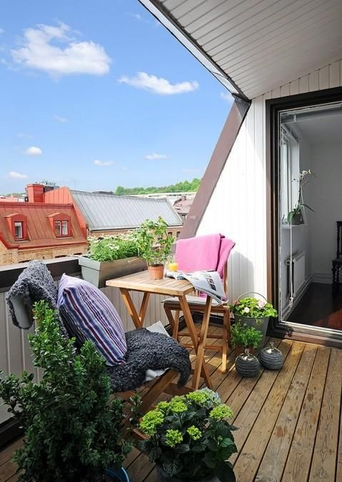Balkónovanie - čiastočne krytý balkón ochráni pred dažďom či ostrým slnkom