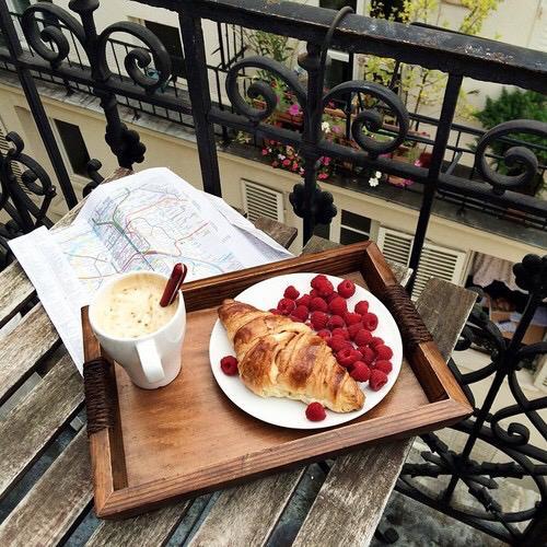 Balkónovanie - raňajky :)