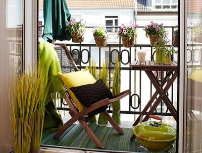 Balkónovanie - aj na balkóne sa dá grilovať :P