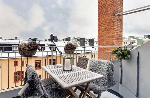 Balkónovanie - v zime s kožušinou