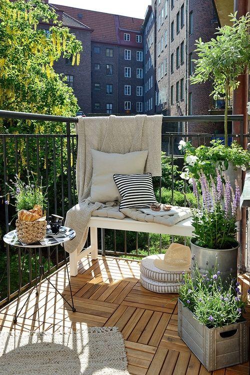 Balkónovanie - plechové nádoby na kvety a bylinky