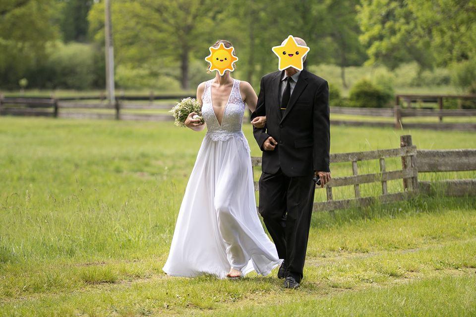 Svatební šaty vel. M/L - Obrázek č. 1