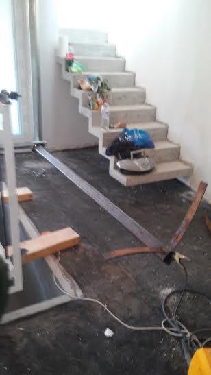 Veľká prestavba :) - Už sa začína vytvárať kostra zaveseného gauča...