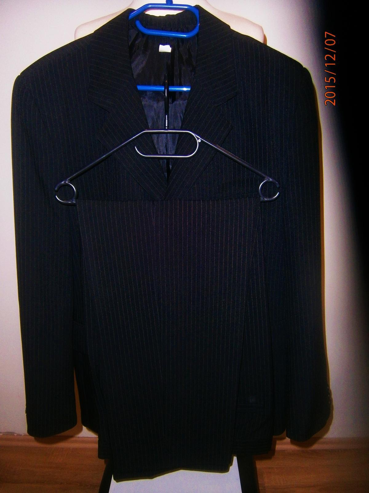 Oblek černý s proužkem vel.52 - Obrázek č. 1