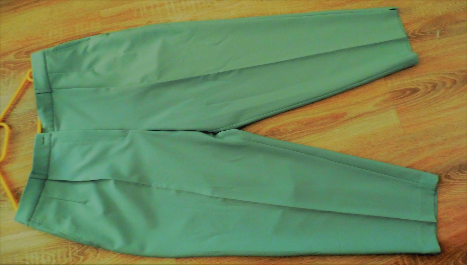 dámský kalhotový kostým - Obrázek č. 3