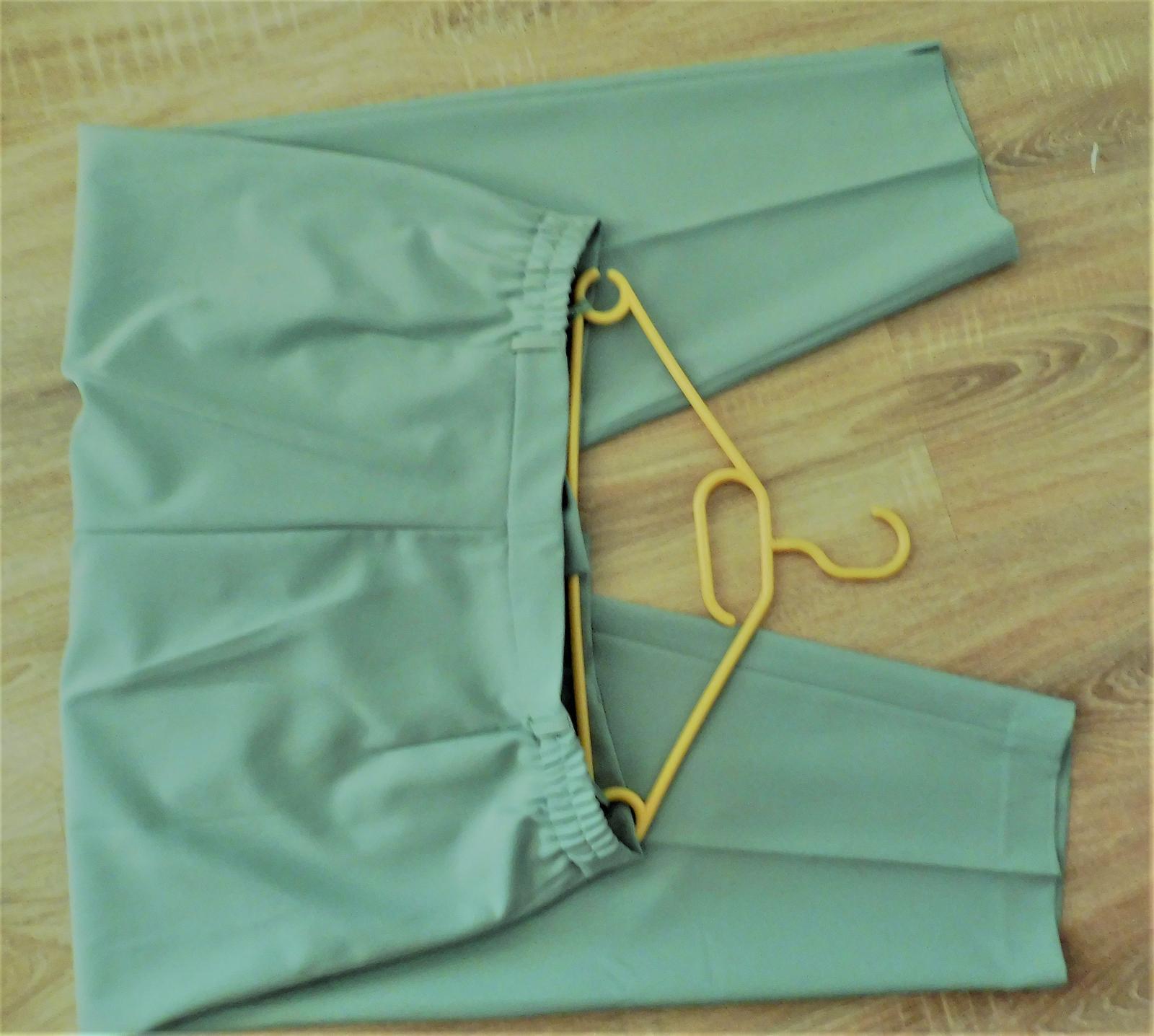dámský kalhotový kostým - Obrázek č. 4